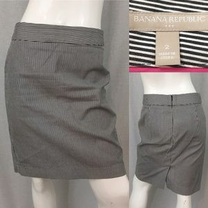 Size 2 Banana Republic Striped Lined Pencil Skirt